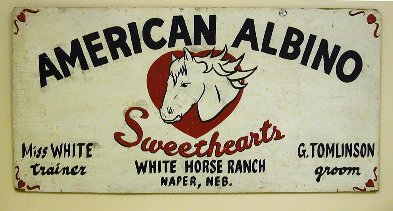 White Horse Ranch American Albino sign