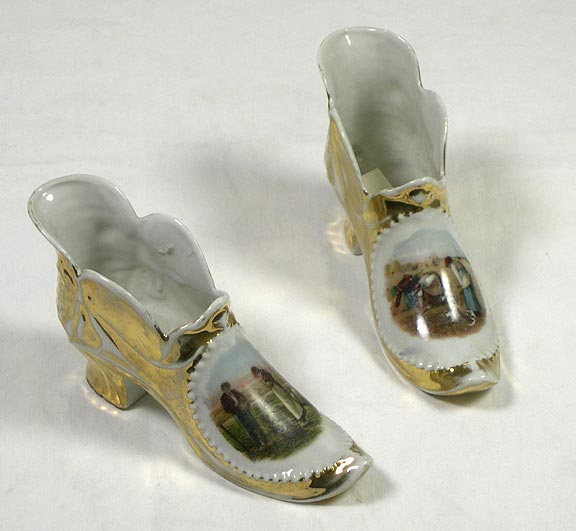 Miniature decorative shoes 7144-148