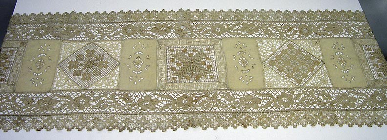 Table runner 7144-203