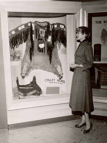 Mari Sandoz viewing Crazy Horse Exhibit at NSHS [RG0014.PH000024-000002]