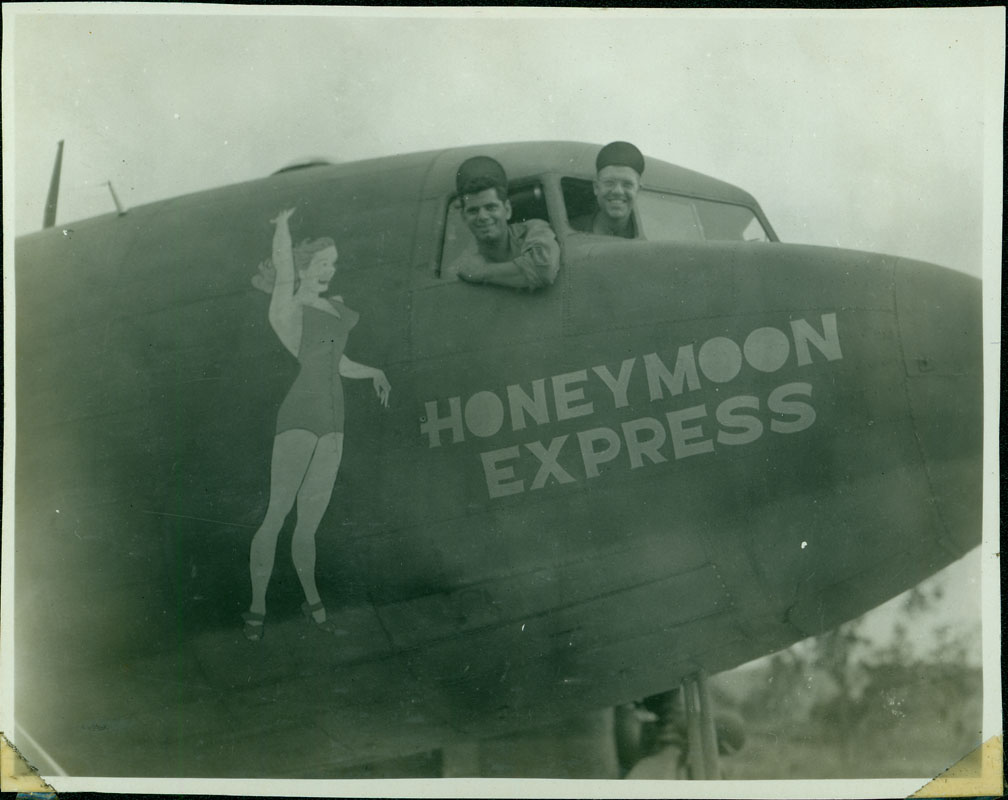 Honeymoon Express [RG5841-3-26]