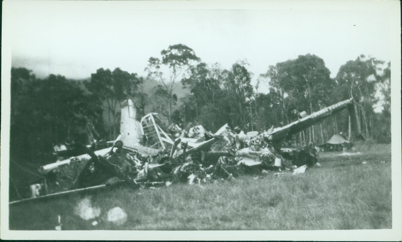 Wrecked Japanese plane [RG5841-8-15]