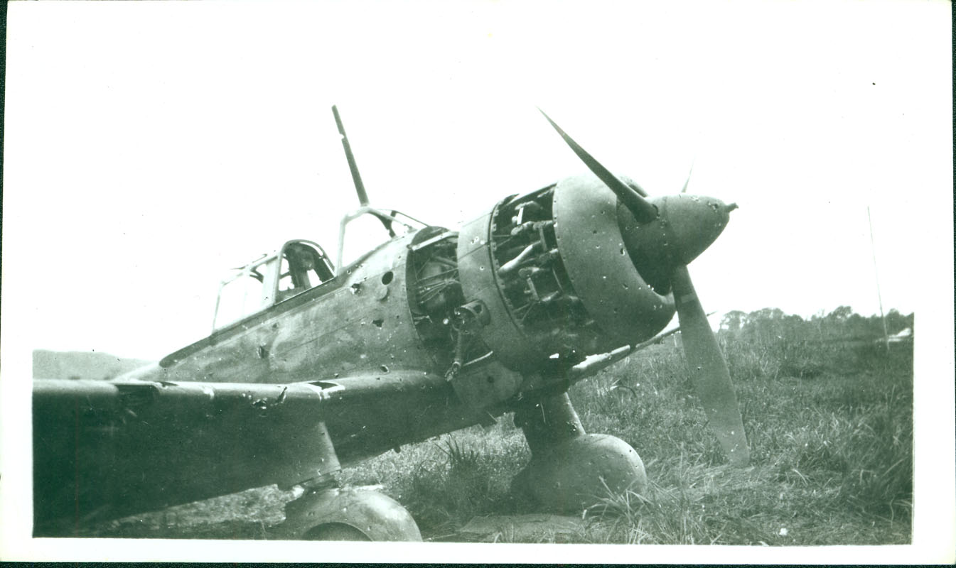 Wrecked Japanese plane [RG5841-8-21]