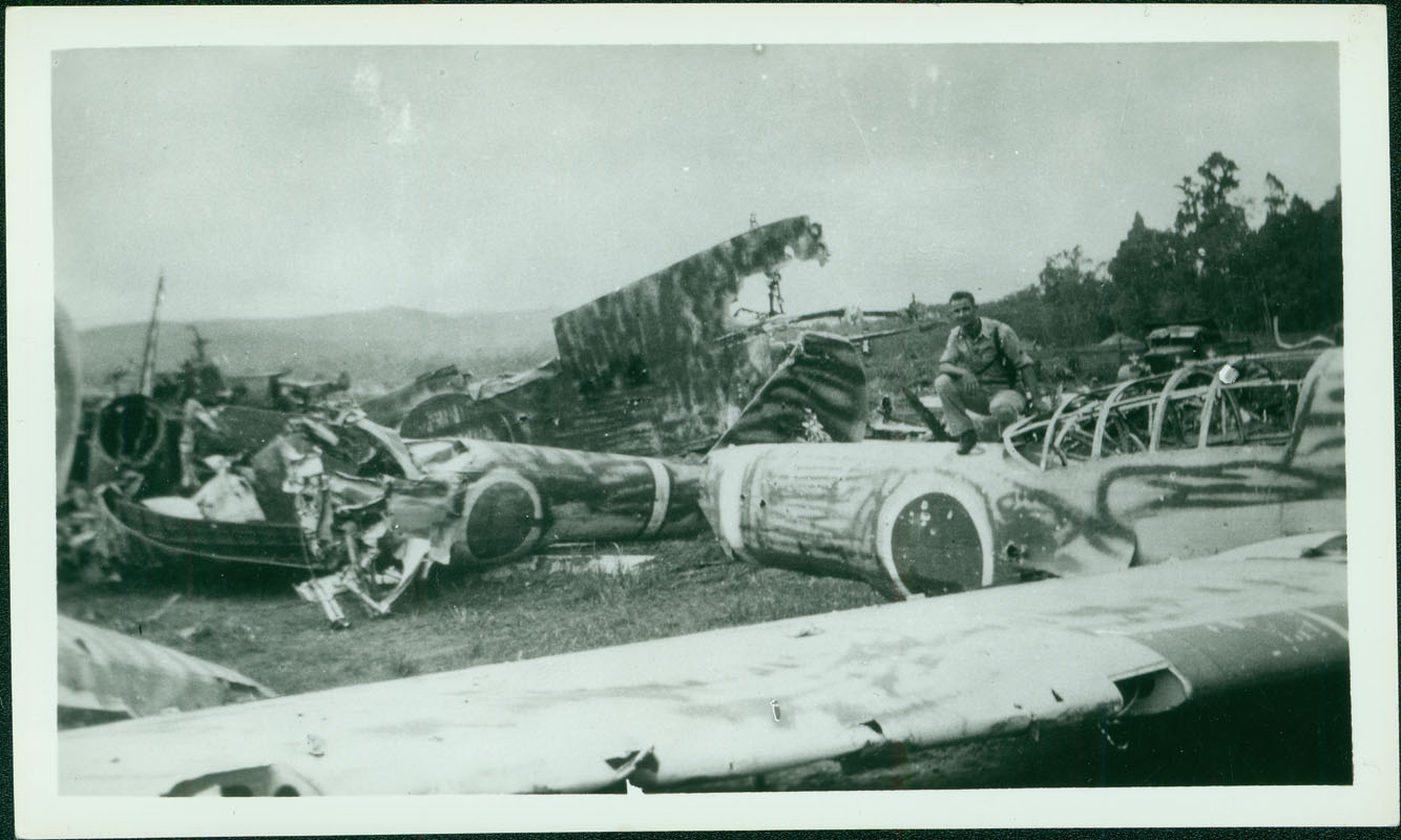 Wrecked Japanese plane [RG5841-8-29]