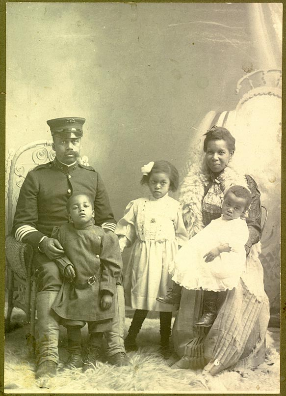 Unidentified portrait of a Tenth Cavalry soldier and his family [RG1517.PH000093-000036 ]