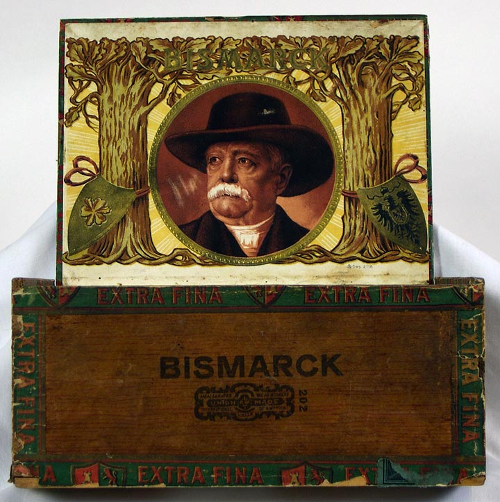 Bismark Cigar box, interior (13053-25)