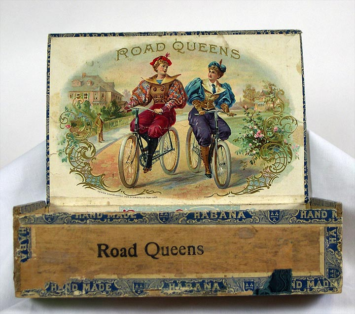 Road Queens Cigar box, interior (13053-4)