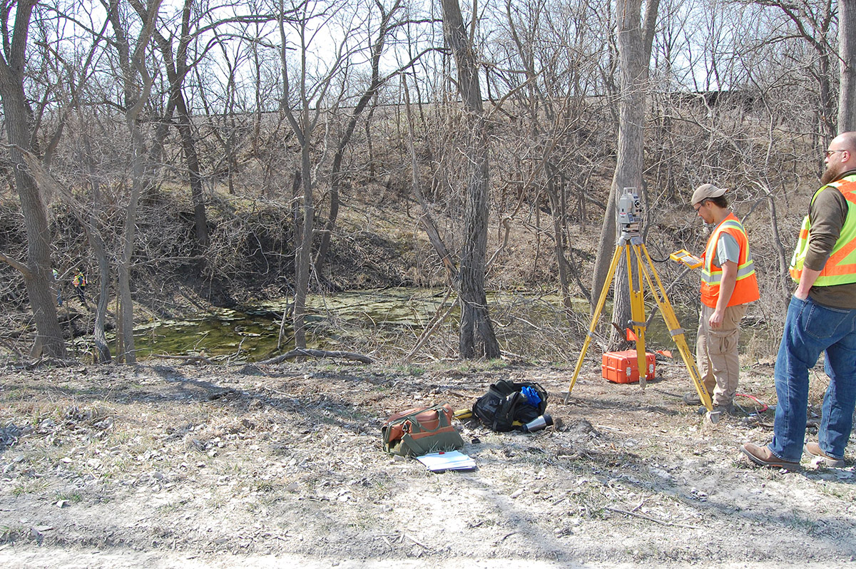 Recording elevation with a total station at 25OT505, Cowles Mill