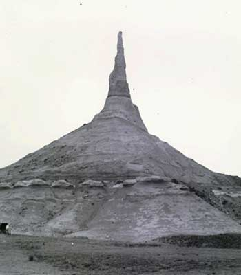 Black and white photo of Chimney Rock